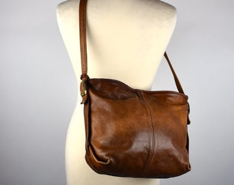 Beautifully Rustic Cross Body Leather Purse in Great Vintage Condition