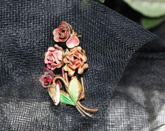 Vintage Red Rose Bouquet Pin, Vintage Brooch, Vintage Jewelry   -  Q