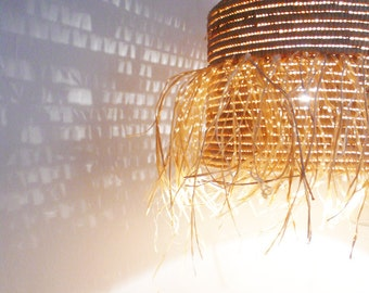 Natural raffia lamp with textile cable, switch and plug - Fringed
