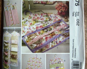 Jewelry and Garment Organizers, Bags, Gift Wrap, Handbag, Shoe McCalls Home Decorating Pattern M6375 UNCUT