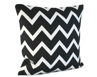 Black and White Pillow Cover, Zigzag Pillow Sham, Zigzag Pillowcase, Black and White Cushion Cover - Zigzag Mono