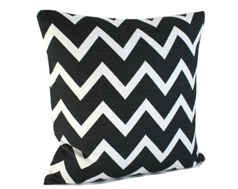 Black and white pillow cover, sofa pillow cover, 16 inch pillow cover, cushion cover - Zigzag Mono