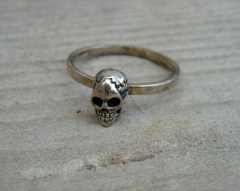 Vintage Small Silver Skull Stackable Ring Size 7 Skull Jewelry Gothic Goth Punk Rock n Roll Rocker Rock and Roll Heavy Metal Biker Pirate