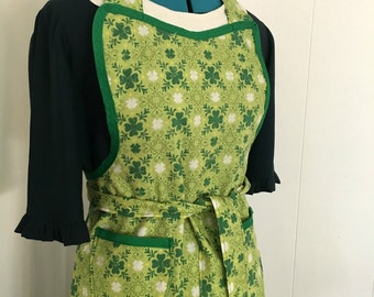 Green Shamrock Retro Full Apron