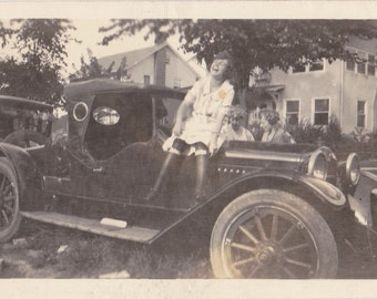 The Bee's Knees- 1920s Antique Photograph- Roaring 20s Car- Automobile- Flapper Girl- Found Photo- Vernacular Snapshot- Paper Ephemera