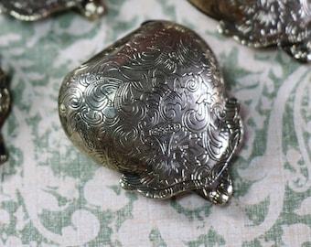 1 Vintage Silver Toned Miniature Metal Purse