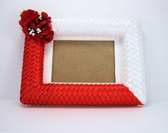 5x7 Valentine's Day Picture Frame, Red Picture Frame, White Picture Frame, Valentine's Day Gift Idea, Gift for her, Housewarming Gift