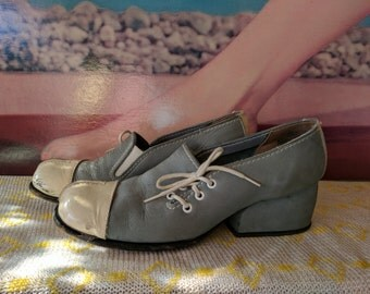 Size 5.5 B 1970s Soft Blue and White Chunky Heel Funky Mod Shoes Scooters are Cuter