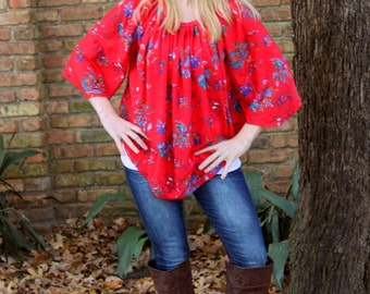 1970s red floral print loose hippie tunic blouse. Size S/M/L