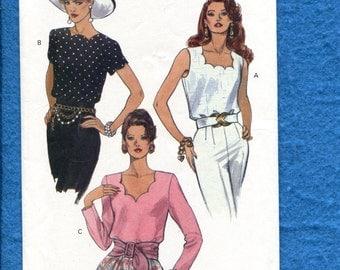 Vogue 8574  Scalloped Neckline Blouses Size 6..8..10 UNCUT