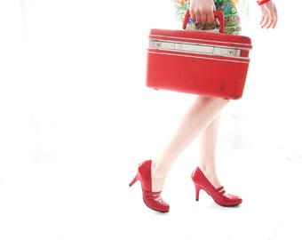 Vintage red train case, Samsonite hardshell travel suitcase luggage makeup carry on, 1970s SALE