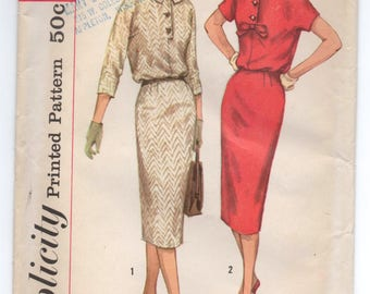 "1960's Simplicity One Piece Dress with Two Sleeves in kimono style and Bow detail Pattern - Bust 31.5"" - UC/FF - No. 2620"