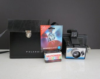Polaroid Super Shooter Camera // Vintage UNTESTED Instant Film Camera with Carrying Case and Flashcubes Retro Photography Home Decor Gift