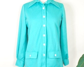 Mid Century NPC Fashions turquoise button up // vintage poly collared blouse S/M