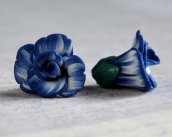 Flower beads 14mm - polymer clay bead pair - dark blue and white