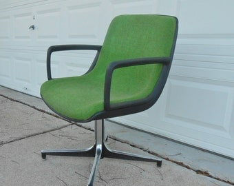 Vintage Office Chair Heavy Pedestal Base Steelcase Desk Student Apple Green Industrial Desk Seating