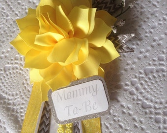 Gray and yellow baby shower corsage / Neutral baby shower / baby shower gift / Mom-to-be corsage