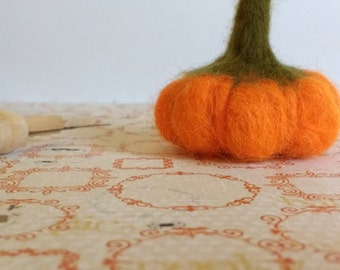 Needle Felted Pumpkin: Orange & Green Mini Felted Pumpkin, 100% Wool Pumpkin, Halloween Decor, Fall Decor, Primitive Decor, Ready To Ship
