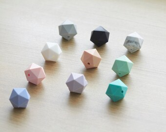 5 pcs of  Polygon Geometric Faceted Silicon Beads - 17 mm