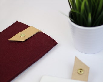 Burgundy Felt iPad Case, Leather Strap, Tech Accessories, Tablet Sleeve, Gifts For Him, Gifts For Her, Stocking Stuffers, Stocking Fillers