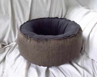 "18"" SUPER Plush *Herringbone Black/Tan* Round cat bed / dog bed / pet bed."
