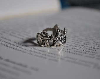 Vintage Sterling Alice in Wonderland Ring