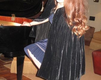 Short velvet opera cloak