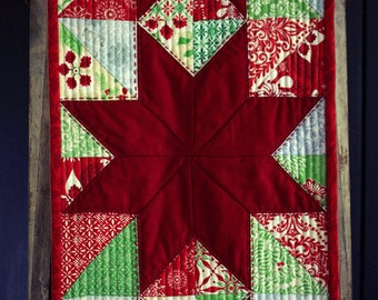 Modern Christmas Stars Tablerunner - add a sparkle to your Christmas table, handmade, quilted, Christmas colour, modern quilting