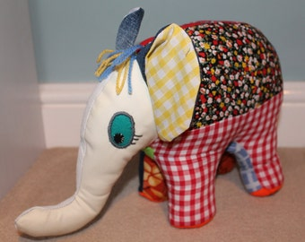 Patchwork elephant - small