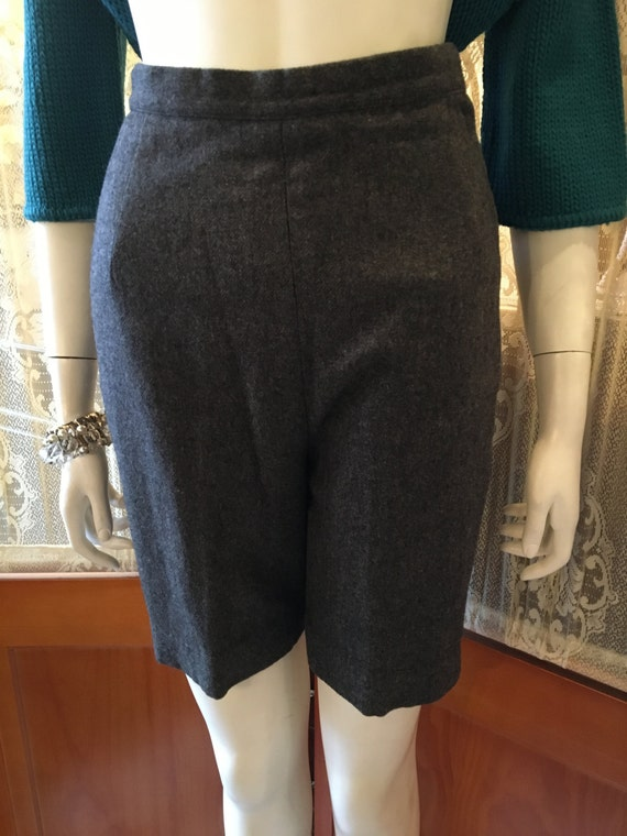 Vintage 60's Grey Gray High Waisted Warm Winter Wool Bermuda Shorts by HUNTER Size Small