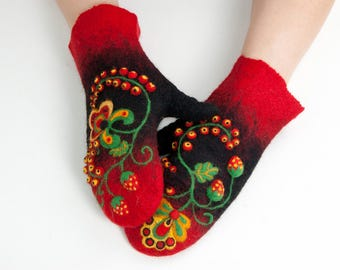 Felt arm warmers Felted wool winter gloves KHOKHLOMA Russian style Ornament Woolen wrist warmers OOAK Wool painting Mother's Day gift