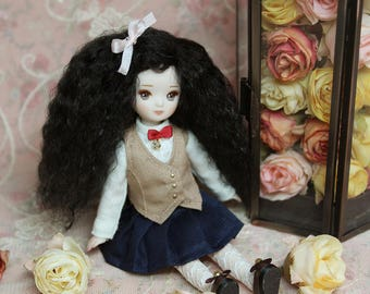 Porcelain doll 'Mei lee school's student Lucy'