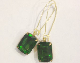 Vintage Crystal Earrings in Jade Green, One Of A Kind, Jade Earrings, Green Crystal Earrings, Green & Gold Earrings, Rectangle Cut Earrings