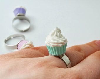 Kawaii Cupcake Ring in Mintgreen