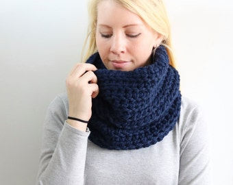SALE Chunky Knit Cowl | Navy
