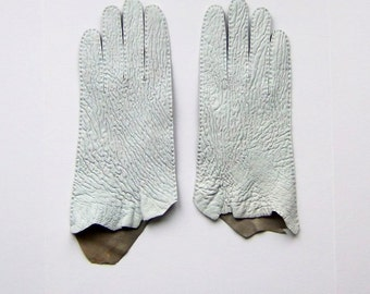 Pruney raw edged leather gloves in size 7