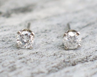 White Gold 14K Diamond Stud Earrings