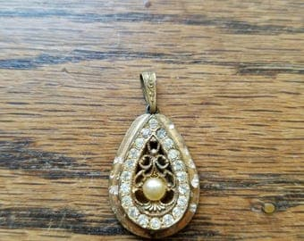 Vintage gold filigree teardrop pendant with Diamond and Pearl accents