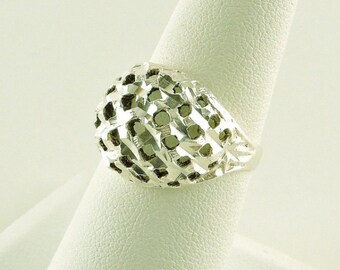 Size 7  Sterling Silver Filigree Textured Dome Ring