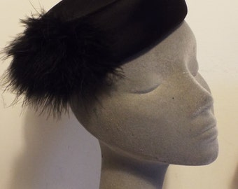 Vintage HAT 1960's Rare MARY QUANT Black Pill Box with feather Side