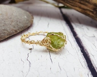 Raw Peridot Chunky Stone Ring ~ Raw Green Stone Ring ~ Simple Promise Ring, Best Unique Jewelry, Boho Jewelry Gift For ME! ~ August Birthday
