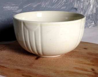 Vintage Hall Mixing Bowl, Nesting Bowl, Cream Stoneware, Ribbed Design
