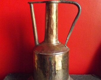 Old Syrian pitcher in red copper, old 1920/1940 s