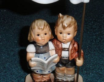 Celebrate With Song Goebel Hummel Figurine #790 Adorable Mothers Day Gift With Original Box - Little Brother And Sister Singing - CUTE!
