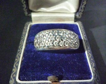 A beautiful sparkly silver and CZ ring - 925 - sterling silver - UK L half - US 6