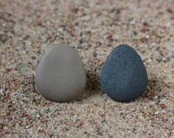 Minimalist Clip On Earrings - Mismatched Drop Pebbles - Asymmetrical Statement - Black and Mocha Beach Stone