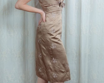 1950s Light Cocoa Wiggle Party Dress - Small