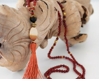 Red agate Jasper Mookaite, natural stones, necklace sautoir