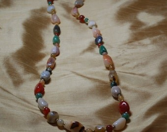 Vintage Tumbled Multi-color Agate Stone and gold tone spacer beaded necklace J1-0021