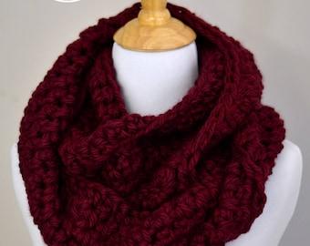 OFF-SEASON SALE - Crochet Scarf, Infinity Scarf, Chunky Scarf, Soft Scarf, Warm Scarf, Oversized Scarf, Cozy Scarf  // in Ruby Red